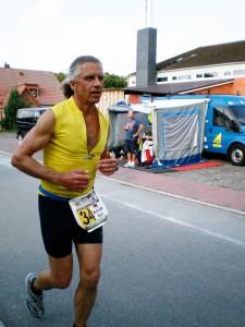 Rohköstler Arnold Wiegand beim 3-fach-Ironman