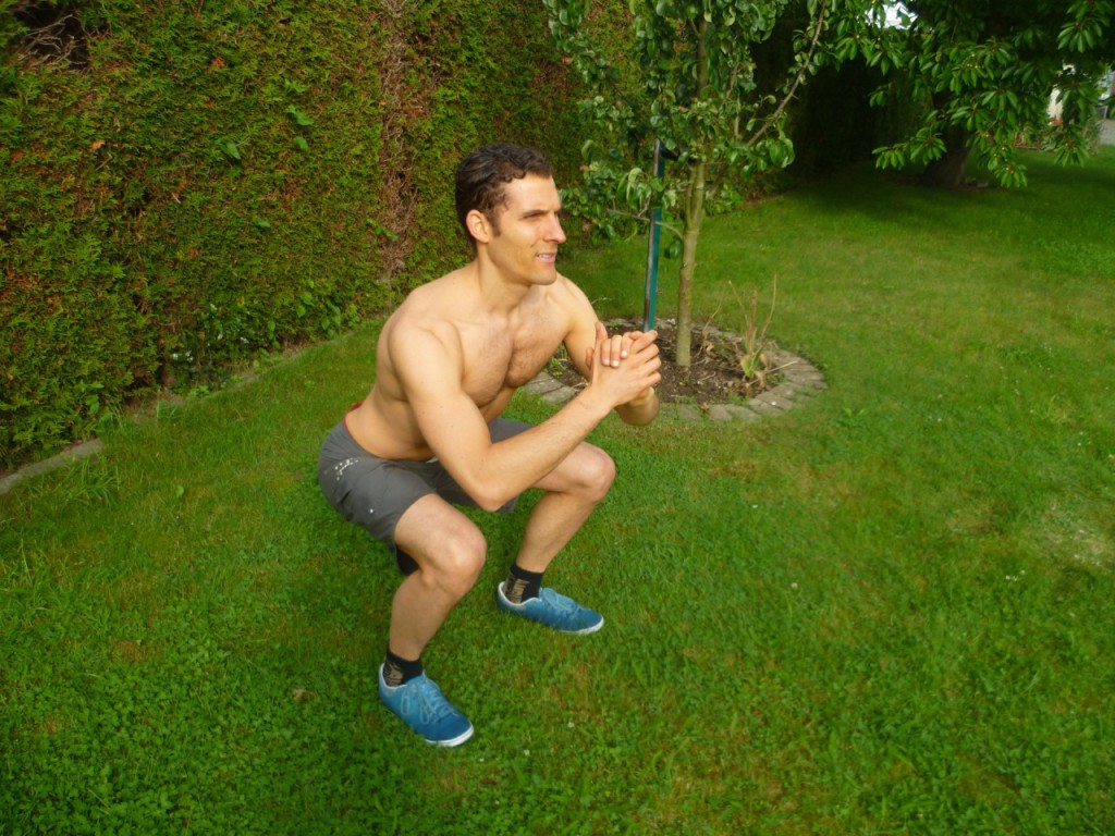 Squat-Endposition - Christian Wenzel . Veganer und Freeletics Experte